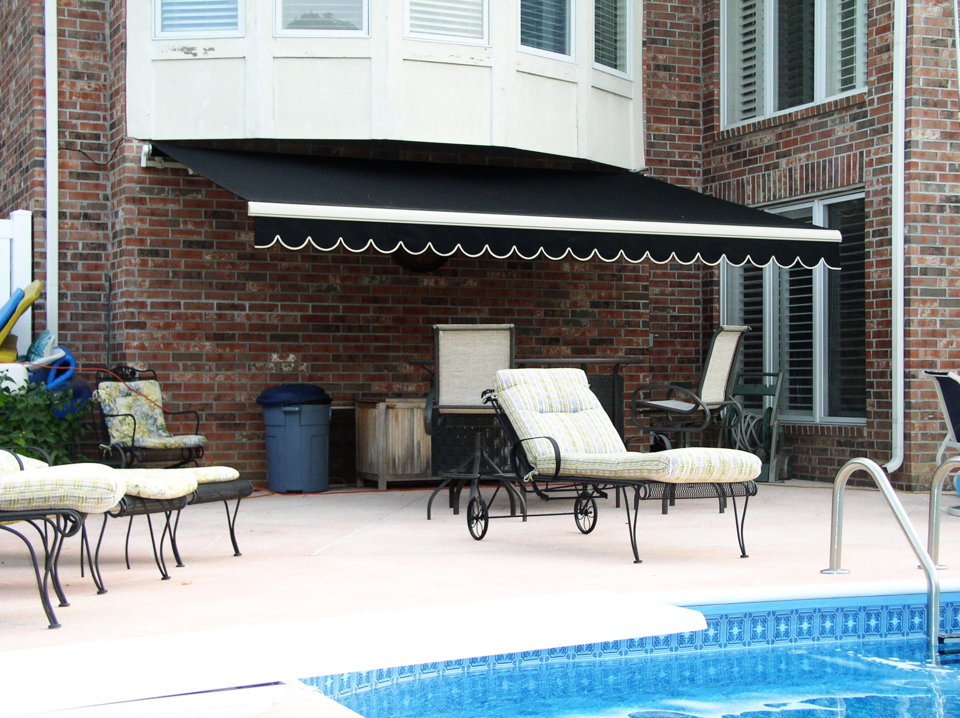 Sun or shade? This retractable awning provides a choice ...