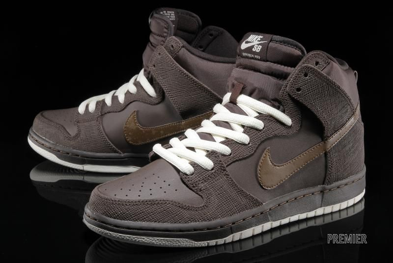 Nike Sb Dunk High Baroque Brown Dark Khaki Cashmere Available Sneakernews Com Nike Sb Dunks Nike Sb Nike