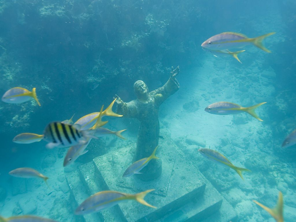 The Christ Of The Deep Statue Is One Of The Many Things Adventurers Will See When Diving Into Key Largo Dry Rocks A Christ Of The Abyss Florida Keys Key West