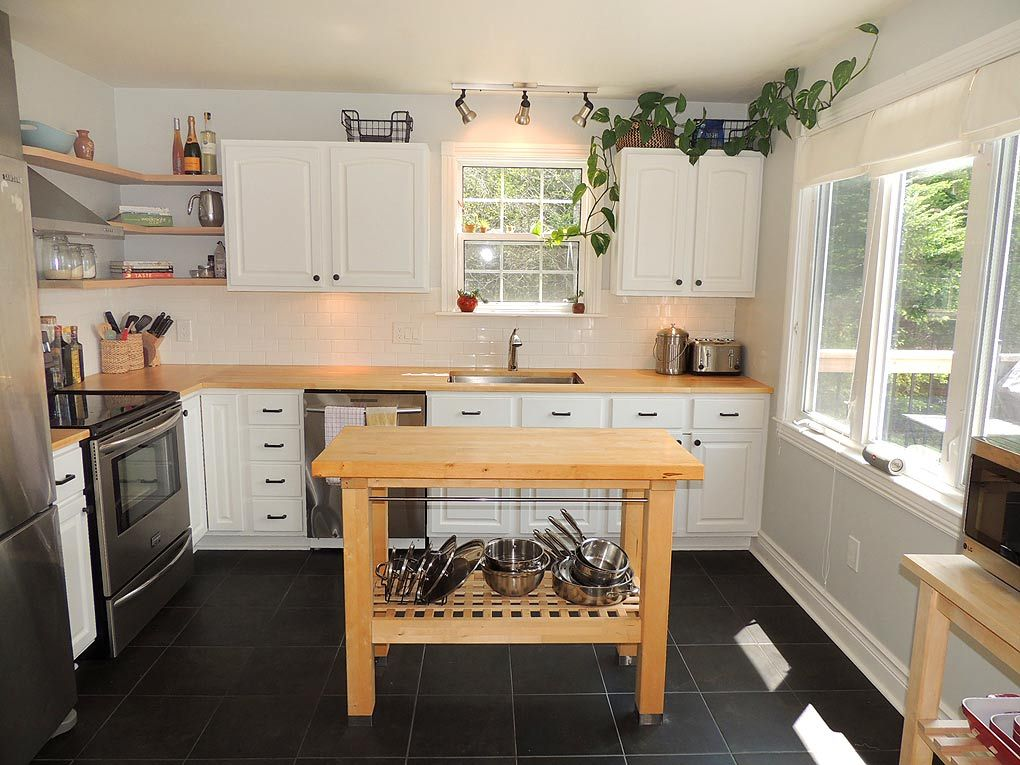 Imagine the meals you could prepare in this light-filled # ...