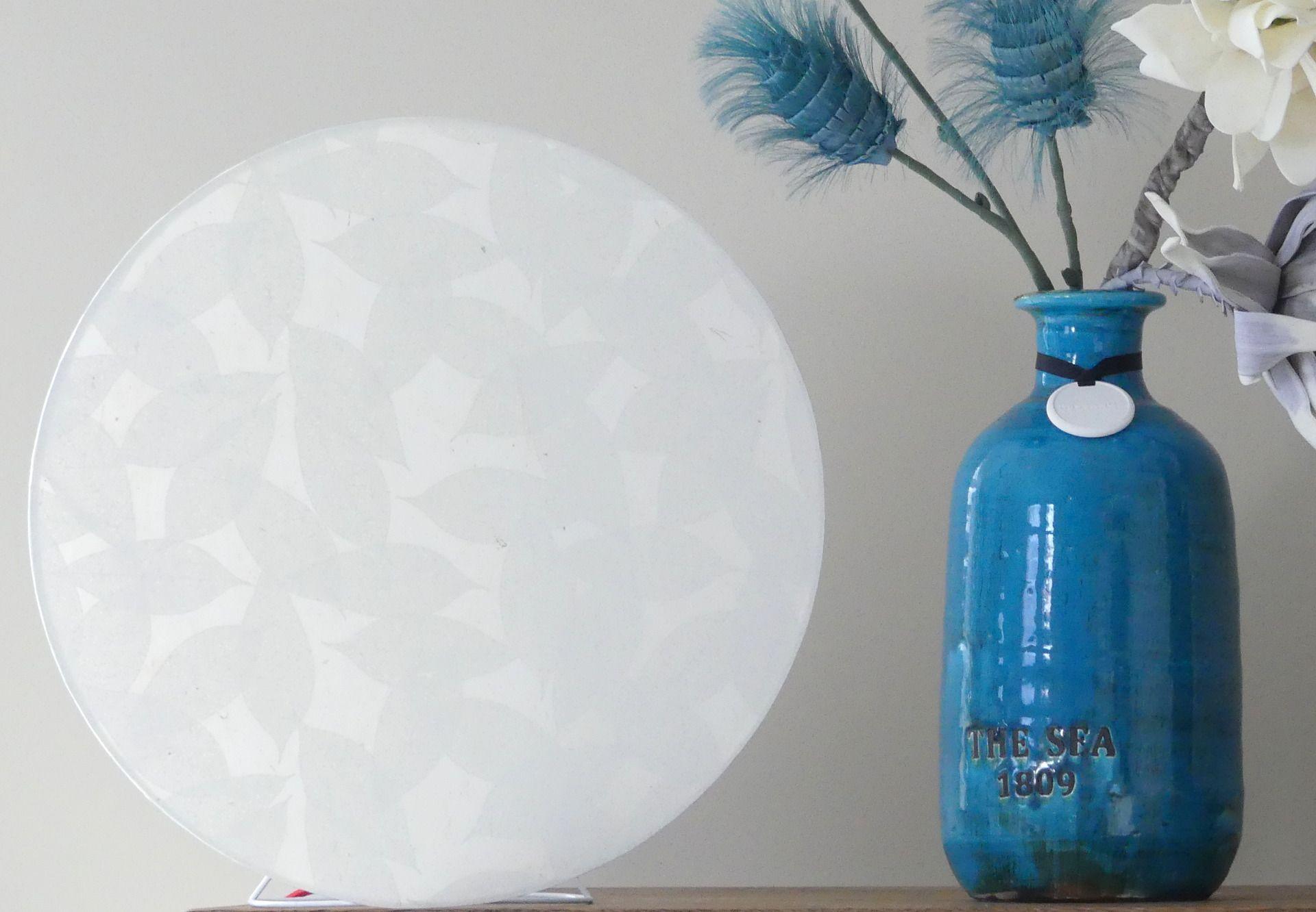 Lampe  poser design blanche MOON feuillage Luminaires par atelier