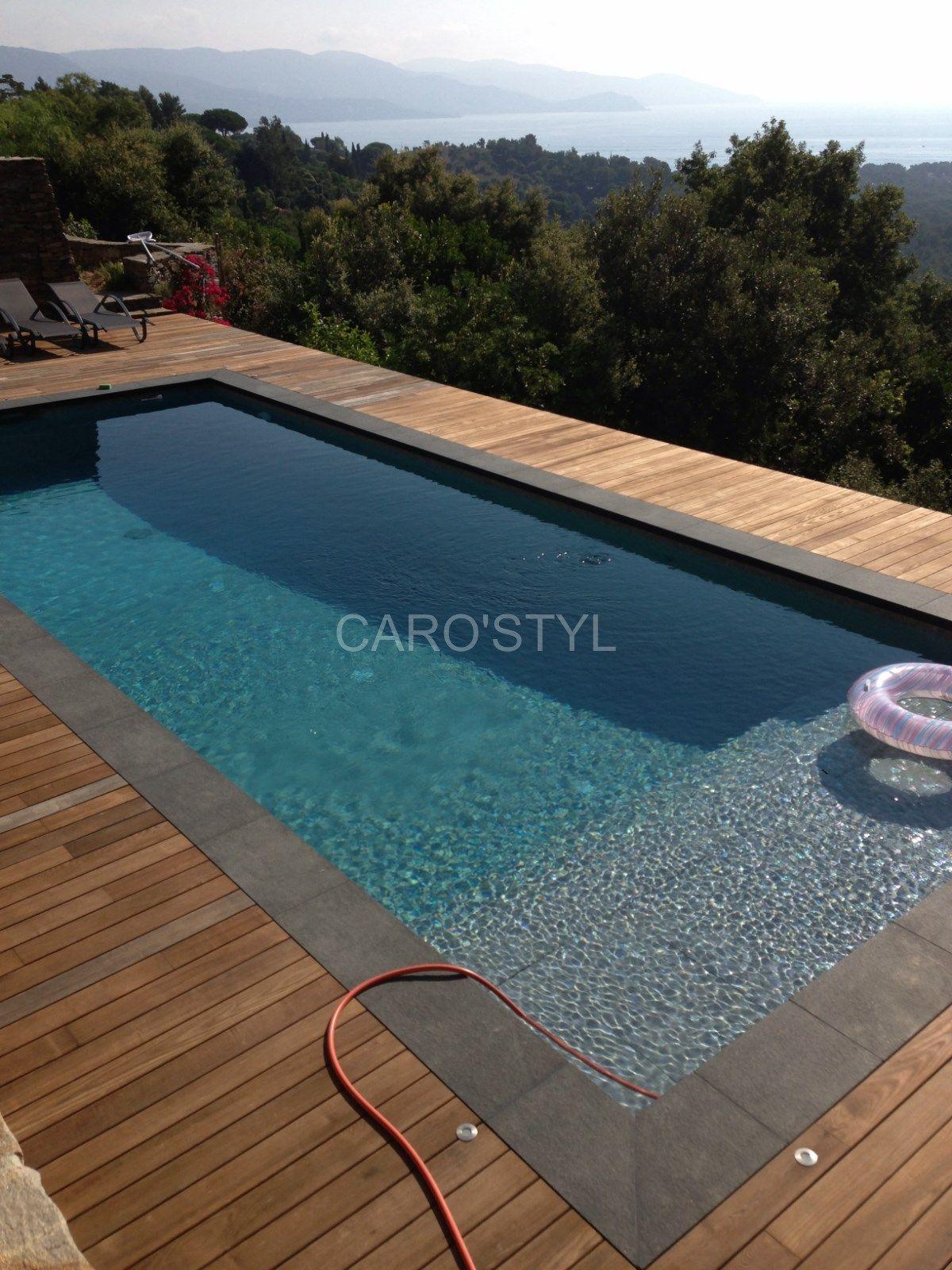 Margelle de piscine en pierre de lave noire épaisseur 6 cm Carrelage et salle