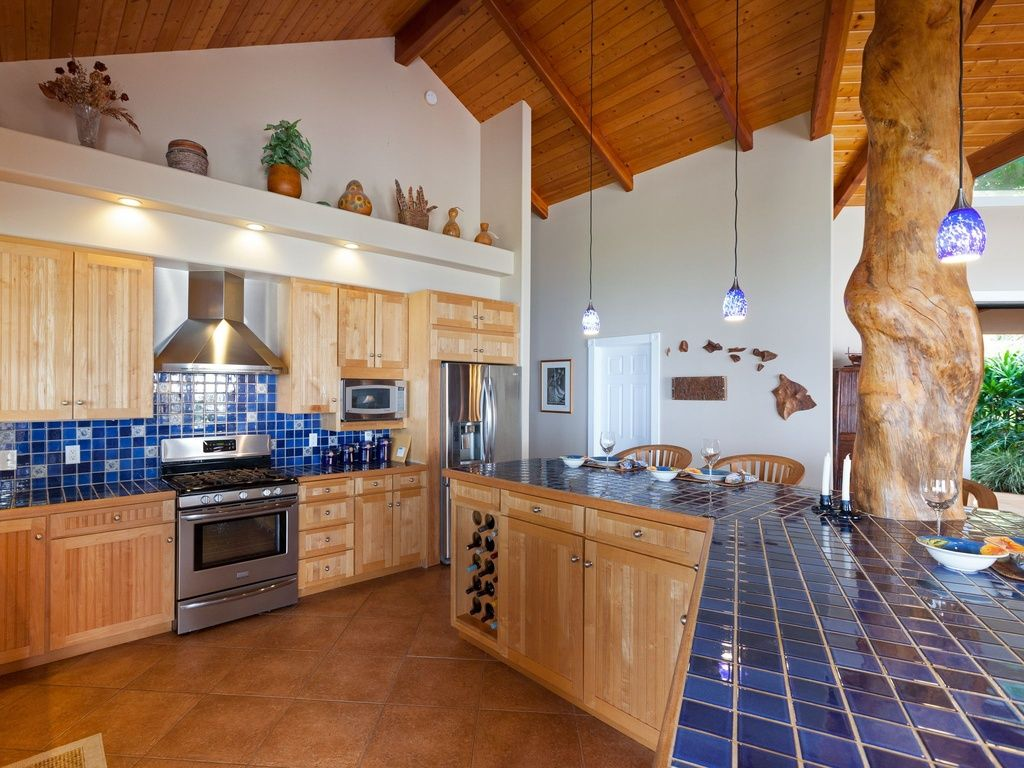 Great Rustic Kitchen With Flat Panel Cabinets Pendant Light In Holualoa Hi Kitchen Diner Decor Kitchen Cabinets For Sale Diner Decor