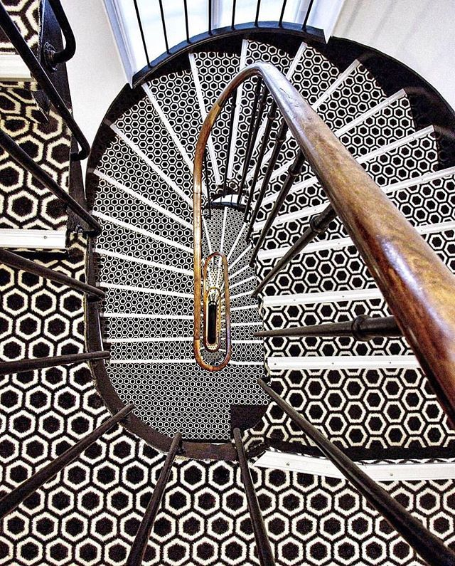 Best Pin By Shelly Gust On Spiral Stair Decor Staircase 400 x 300