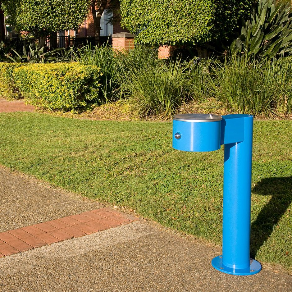 Water Fountains In Public Places Fountains Water Fountain Drinking Fountain