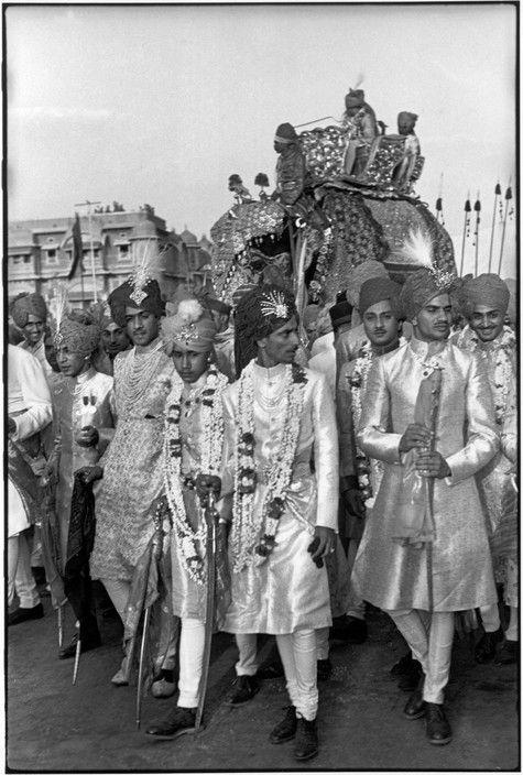 f1ebd7cc4c9 Magnum Photos Photographer Portfolio Henri Cartier-Bresson INDIA.  Rajasthan. Jaipur. 1948. The Maharadjah of Baria arrives on an elephant
