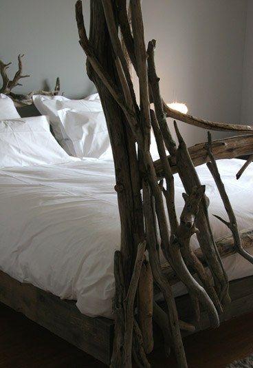 lit bois flotté   Driftwood / Bois flotté   Pinterest   Lit bois ...