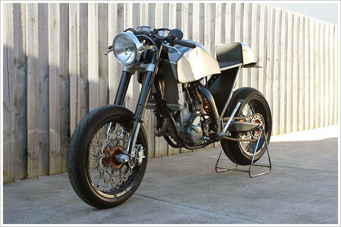 Engineered to Slide's '08 KTM 250Café - Pipeburn - Purveyors of Classic Motorcycles, Cafe Racers & Custom motorbikes