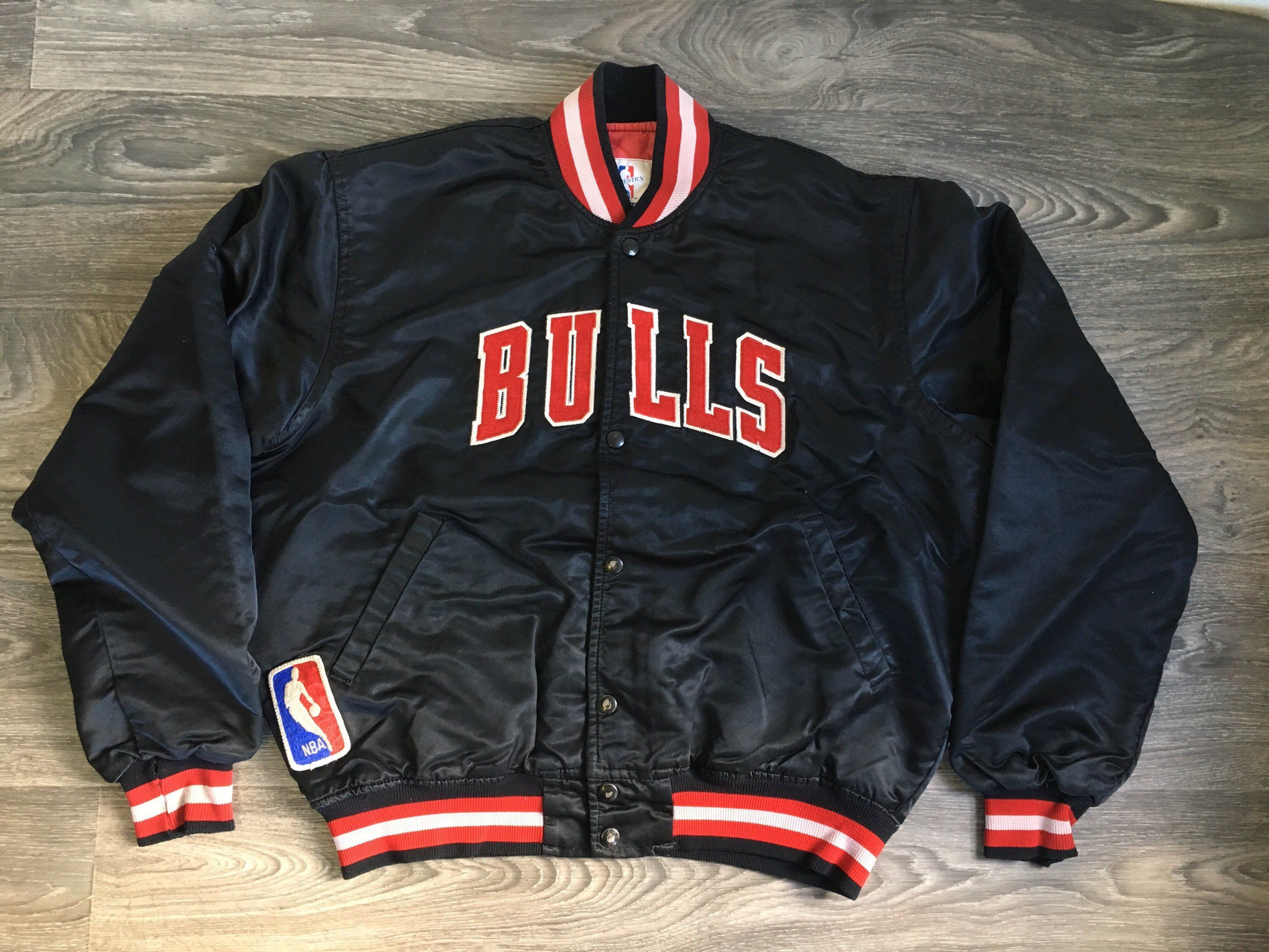 878a4631558212 Vintage CHICAGO BULLS STARTER Jacket 80s Black Satin Quilted Snap Sewn  Patch Lettering Michael Jordan Basketball NbA UsA Men s Large by  sweetVTGtshirt on ...