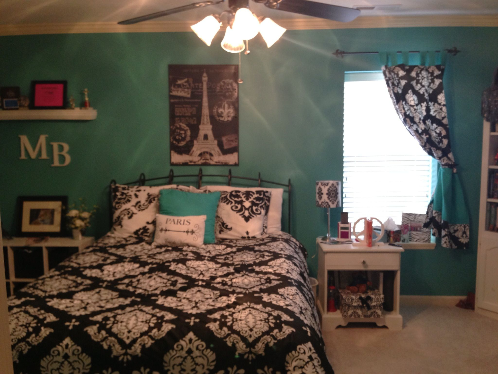 Paris Theme Bedroom With Teal Walls