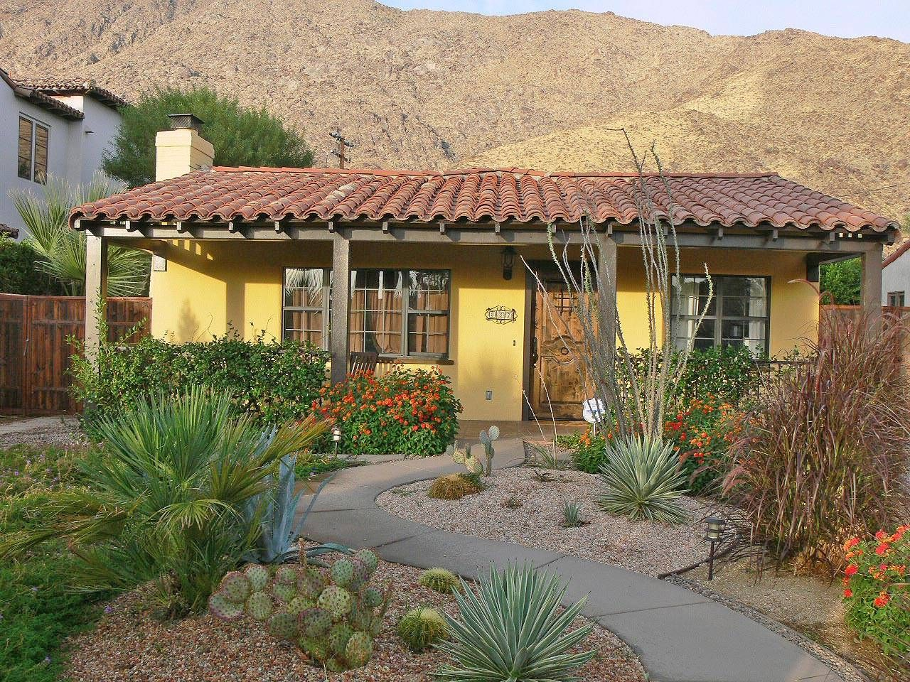 Palm springs architecture the best of southern california for Hacienda style homes