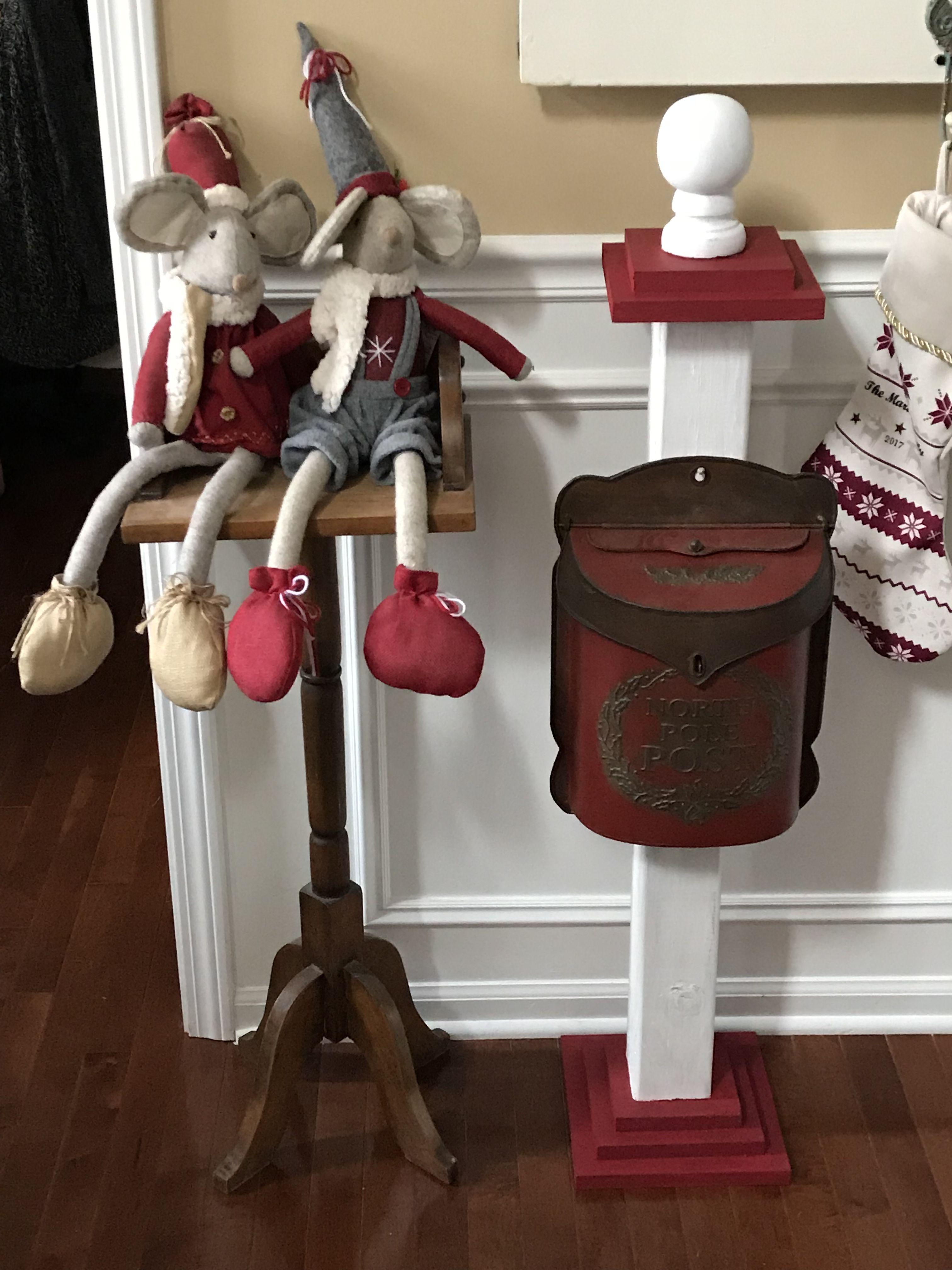 Santa Mailbox And Pole