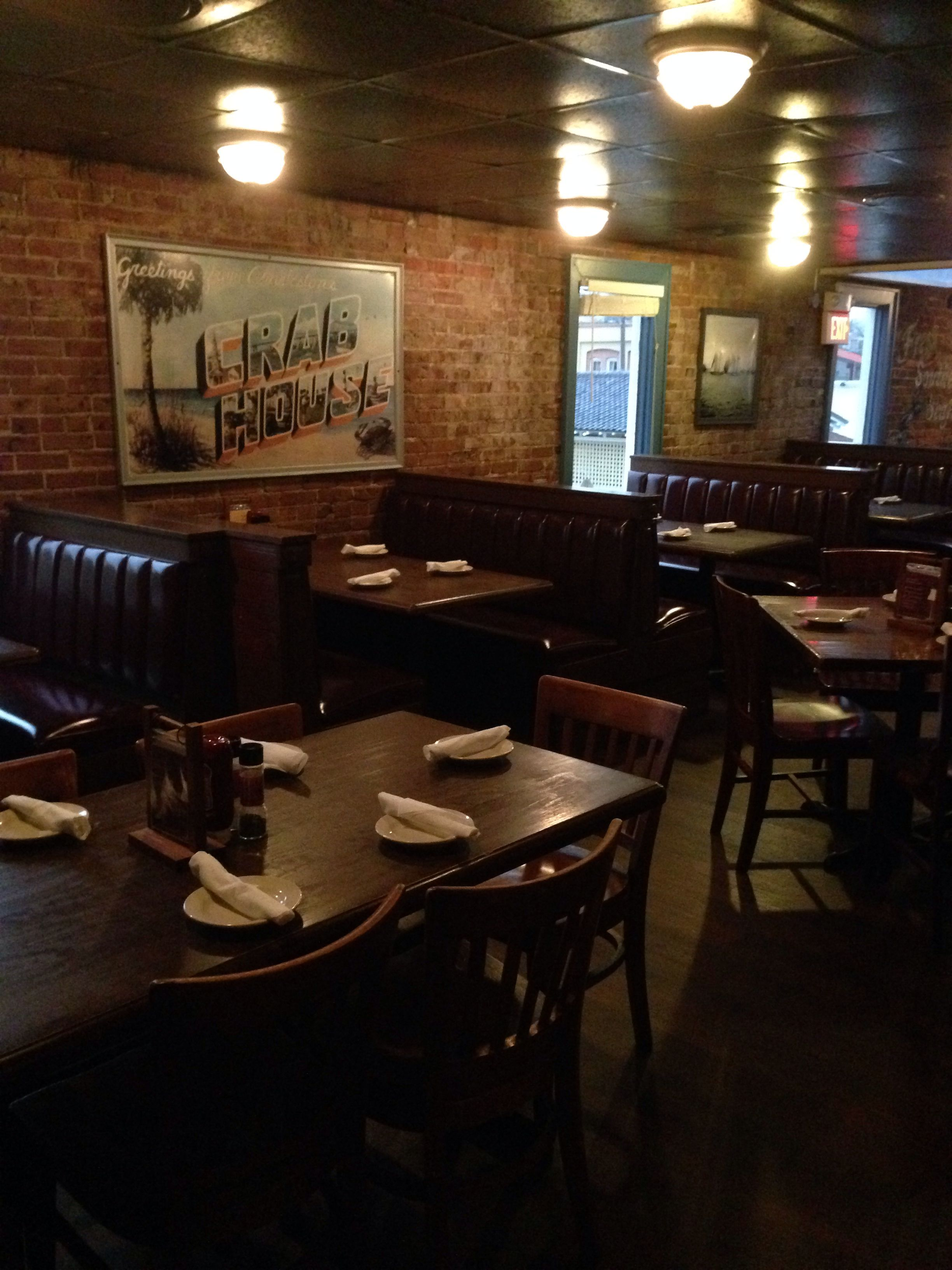 The dining room at the charleston crab house on market
