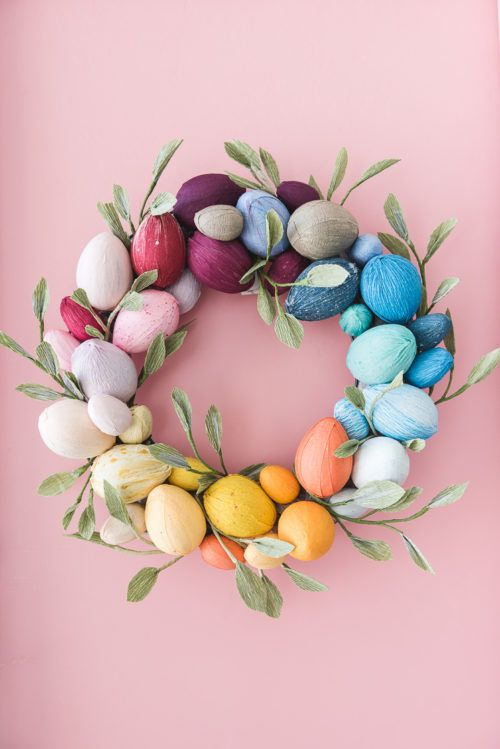 Rainbow Ombre Spring Easter Wreath with Eggs #eggs #easter #easterdecor #easterwreaths #wreaths #homedecor #spring #springdecor #ombre #eastereggs