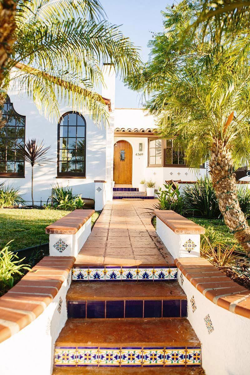 Spanish Style Homes Colors Spanishstylehomes Spanish Style Homes Spanish House Hacienda Style Homes