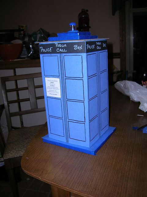 Tardis Valentines Day card holder. This is what my child Det. Elliot Shefchuk will take to school. :)