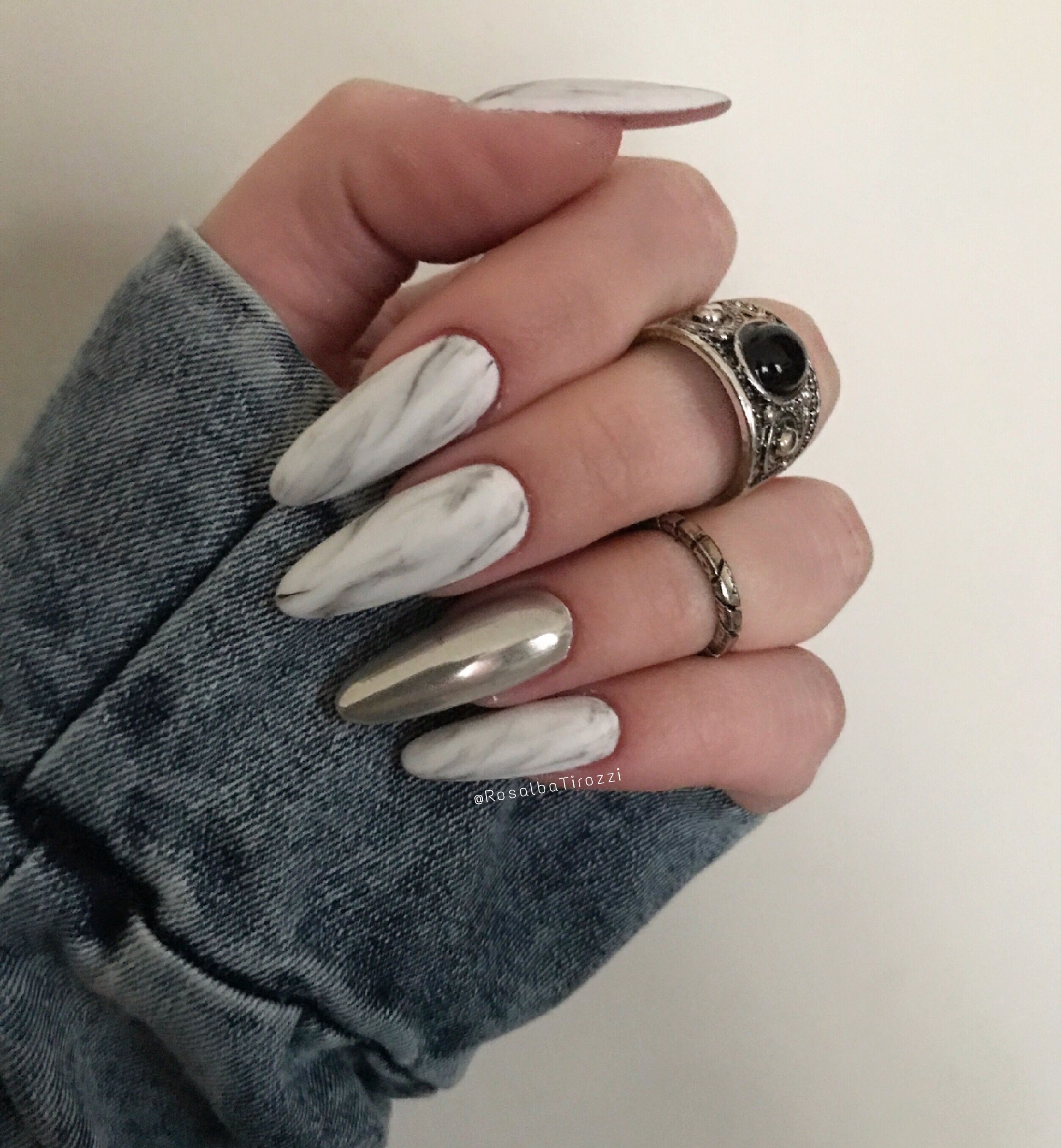 Marble nails White