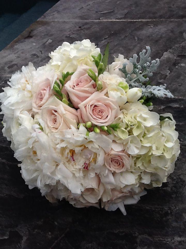 Bridal Bouquet / parkcitiespetals.com