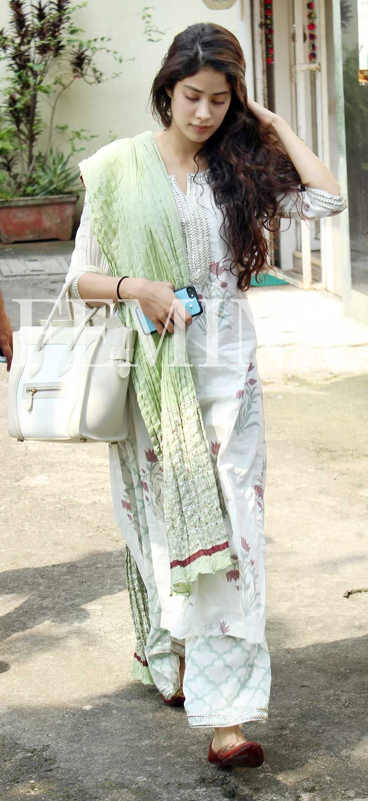Get the look celeb pretty in prints new photo