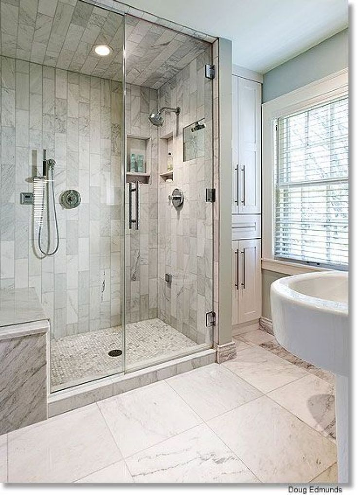 Farmhouse Master Bathroom With Walk In Closet