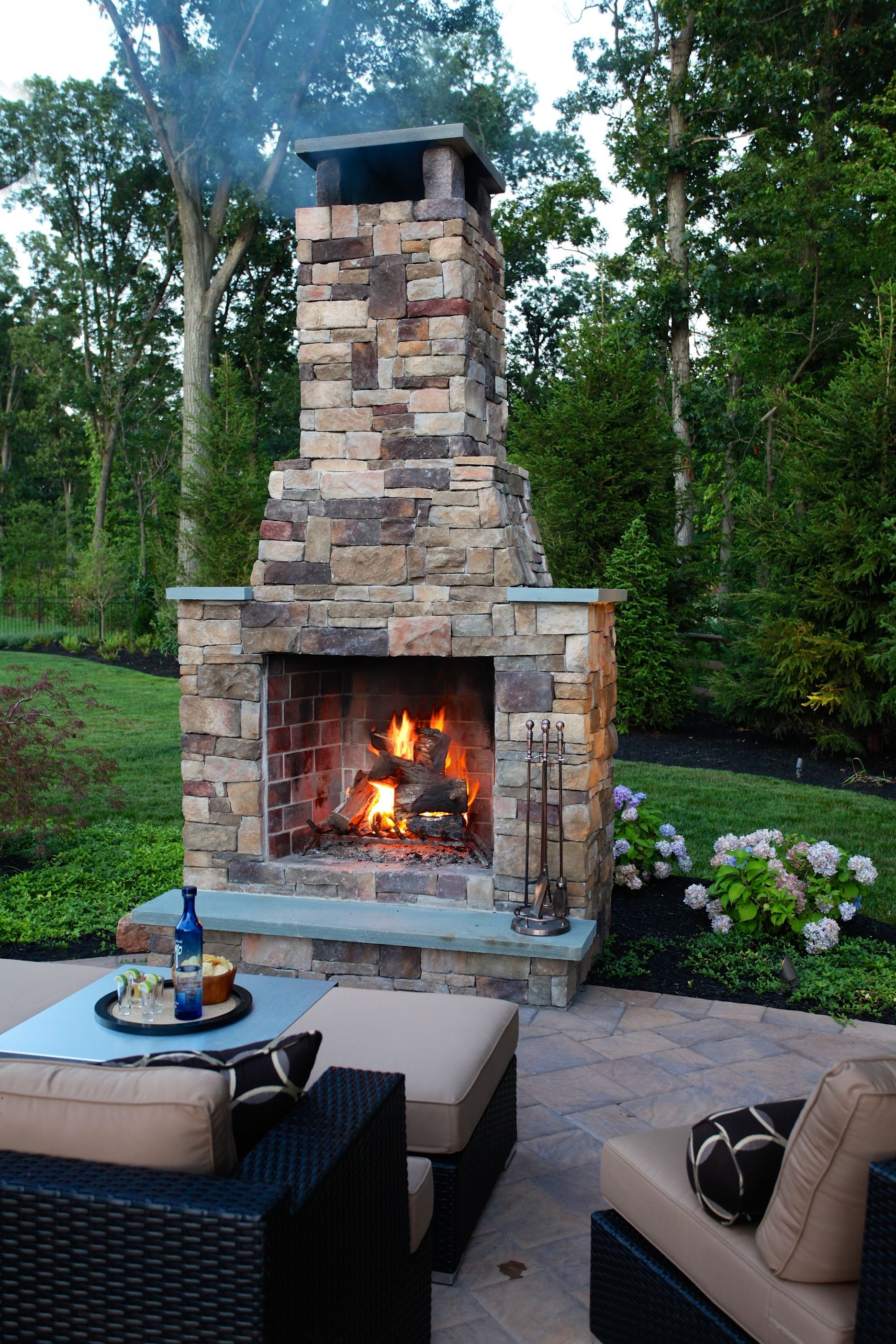 Outdoor fireplace. | Outdoor stone fireplaces, Outdoor ...