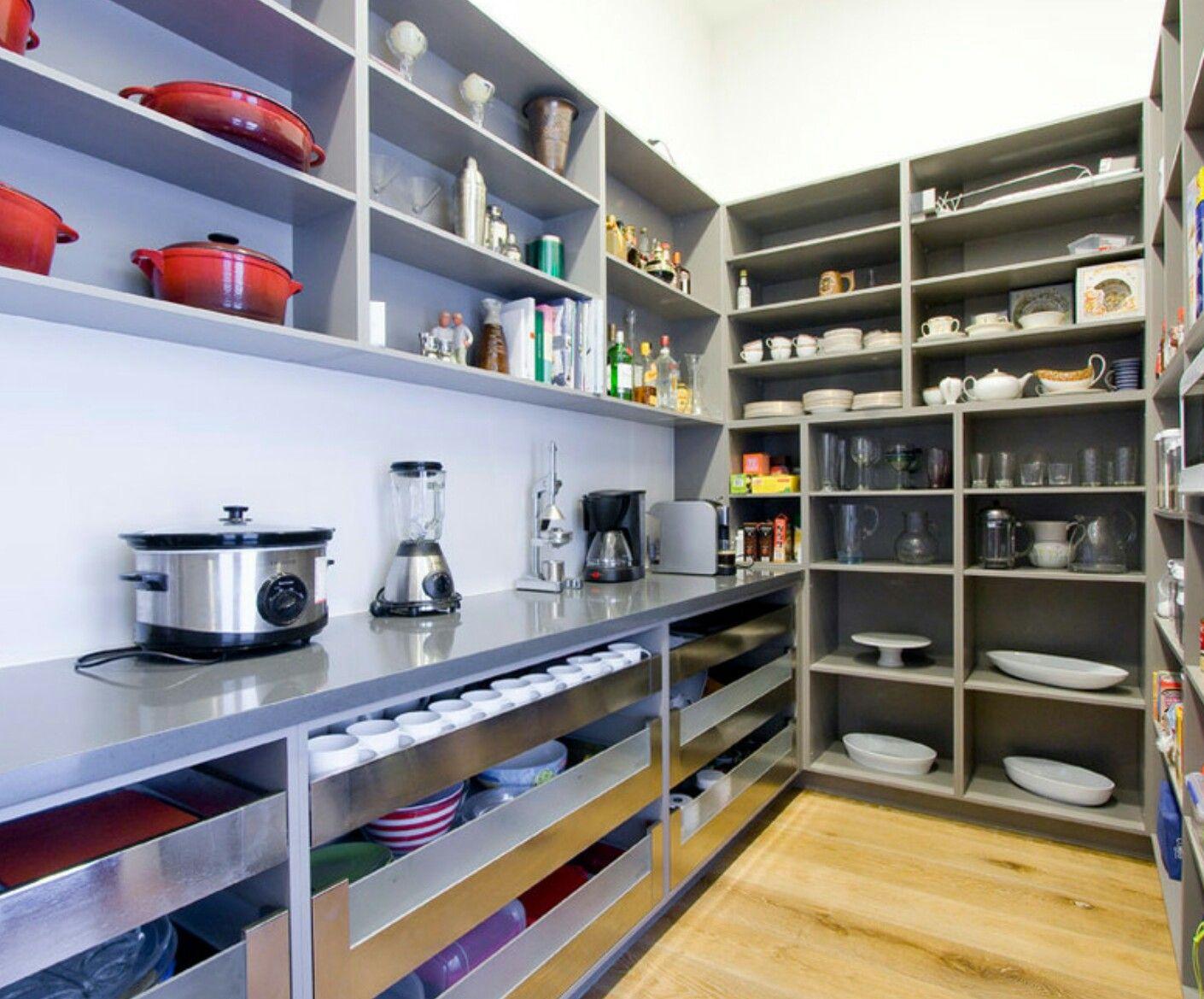 Küchenschränke mit hohen decken pin von nicole auf haushaltsraum  pinterest  speisekammer raum