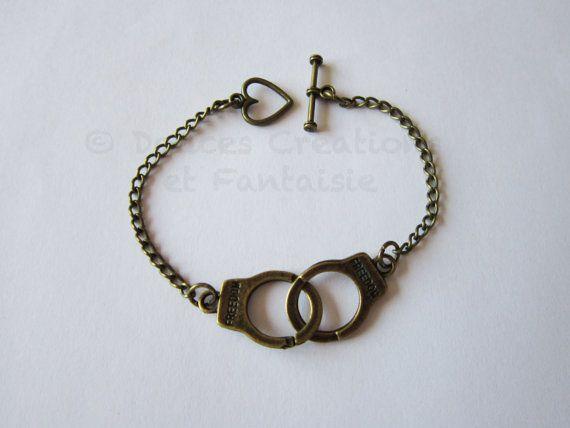 Bracelet Menottes bijou bronze tendance par DoucesCreations sur Etsy