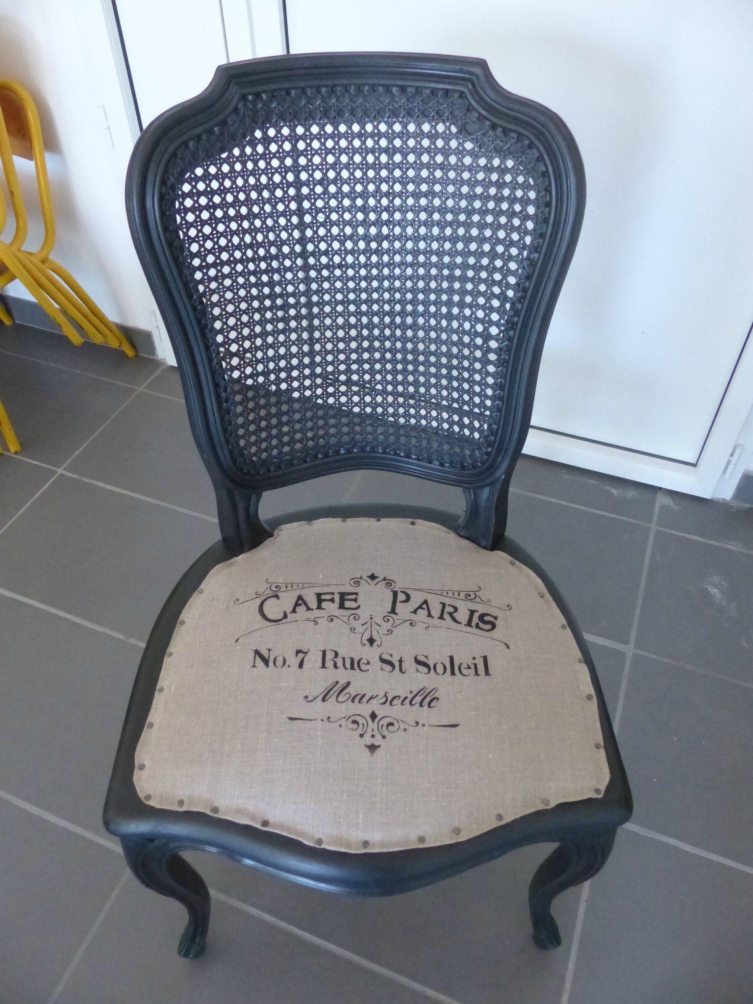 rappelez vous il y a quelque temps j avais relooke une chaise en merisier chaises sam. Black Bedroom Furniture Sets. Home Design Ideas