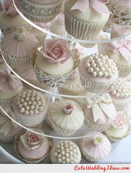 Vintage style cupcakes instead of an actual cake? @Emily Schoenfeld Howell