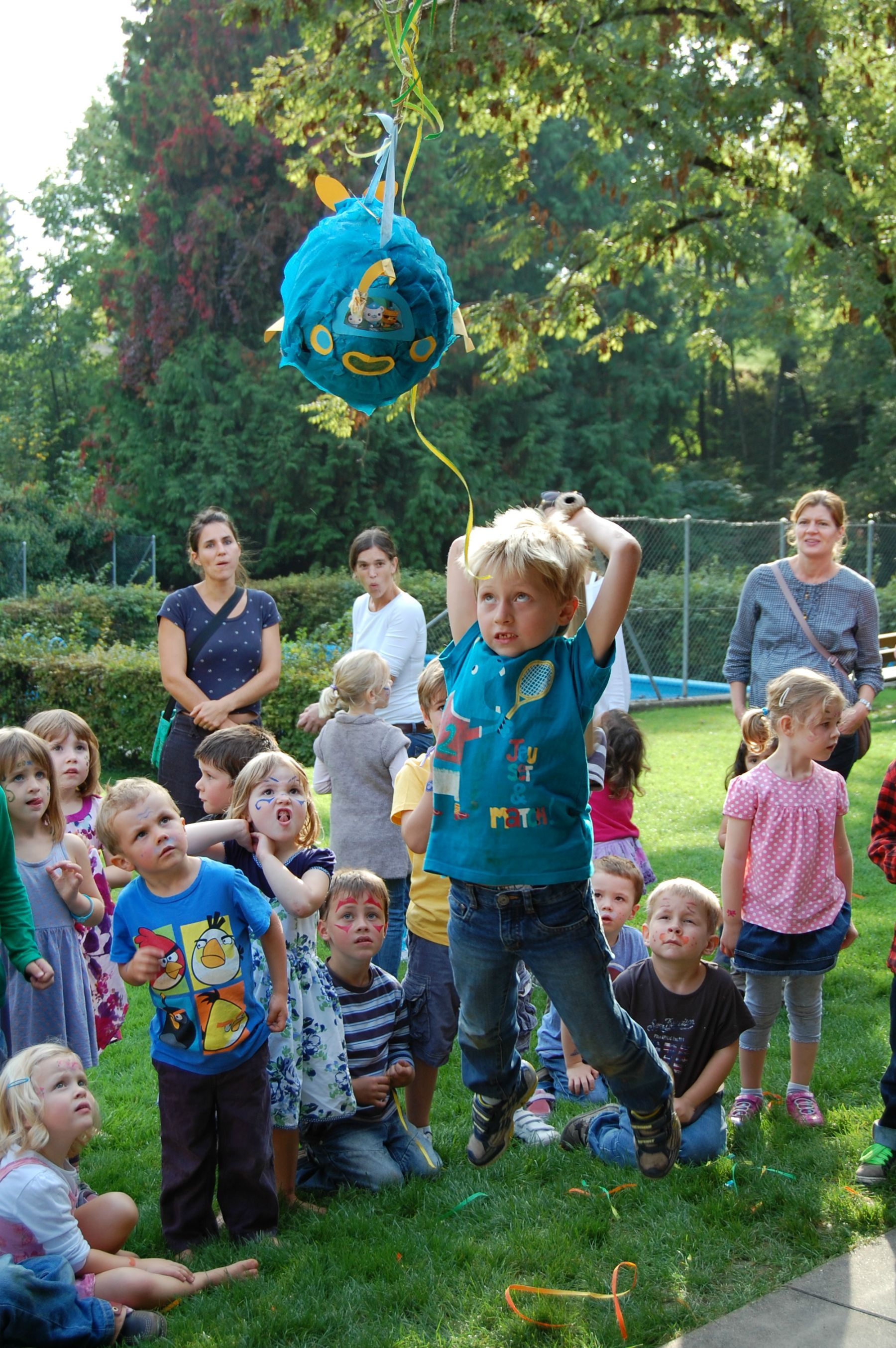 Little boy about to hit a pinata. Keeping his eyes on the prize. - Imgur