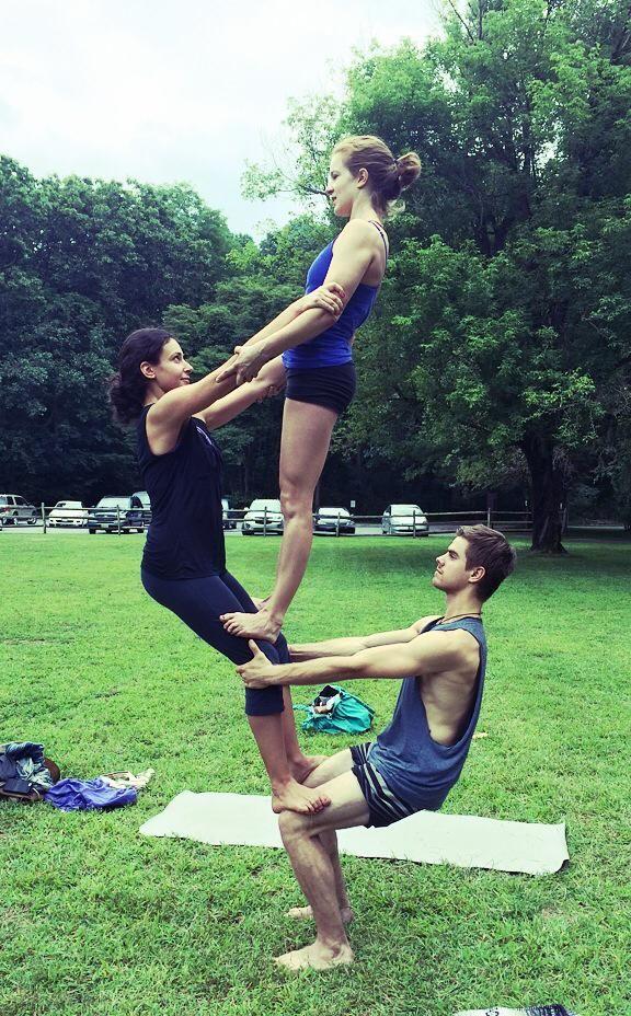 10262075 10153242827938146 3069288934309221660 N Jpg 576 928 Acro Yoga Poses Yoga Challenge Poses Group Yoga Poses