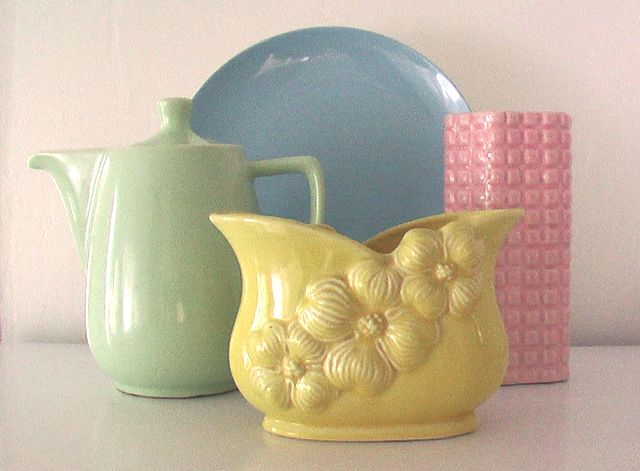 Vintage pottery makes my mouth water.