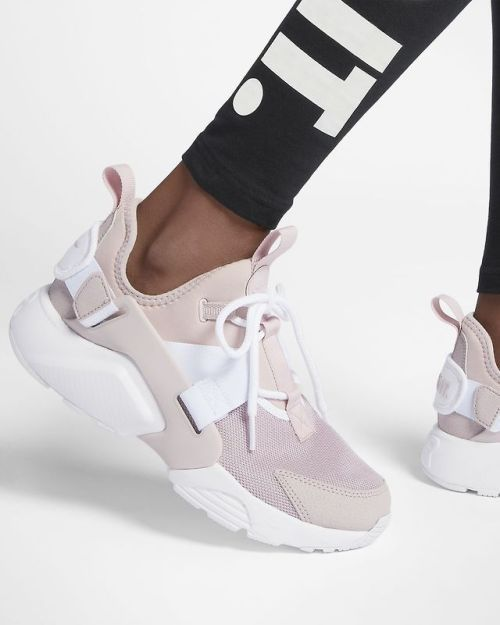 best place sneakers for cheap famous brand Nike Air Huarache City Low | nike | Shoes nike, Chaussure et ...
