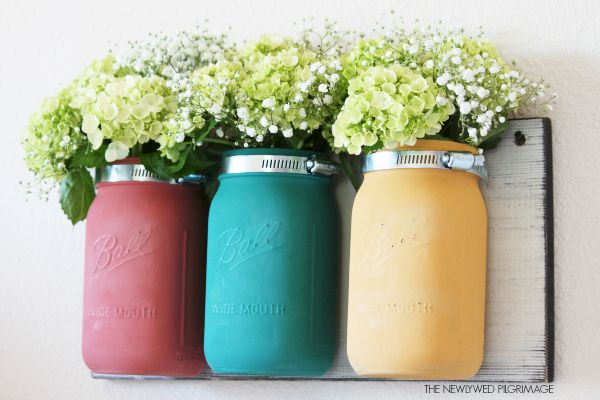 Distressed Mason Jar Vases Tutorial - Wall Mounted