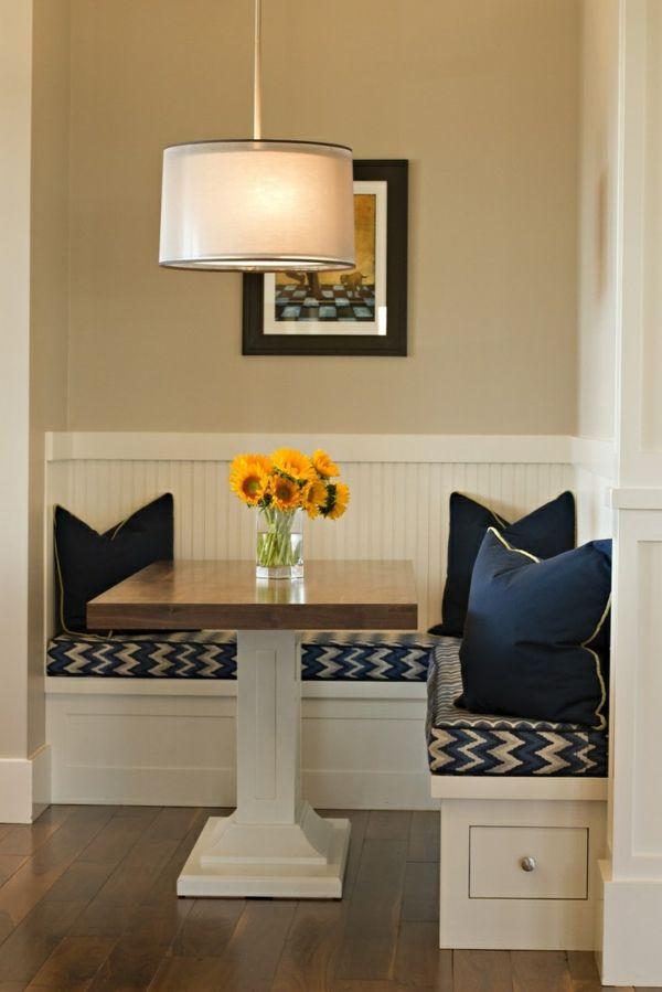 Eckbank bietet Ihnen mehr Sitzfläche und sieht dabei stilvoll aus - kleine kuche im wohnzimmer