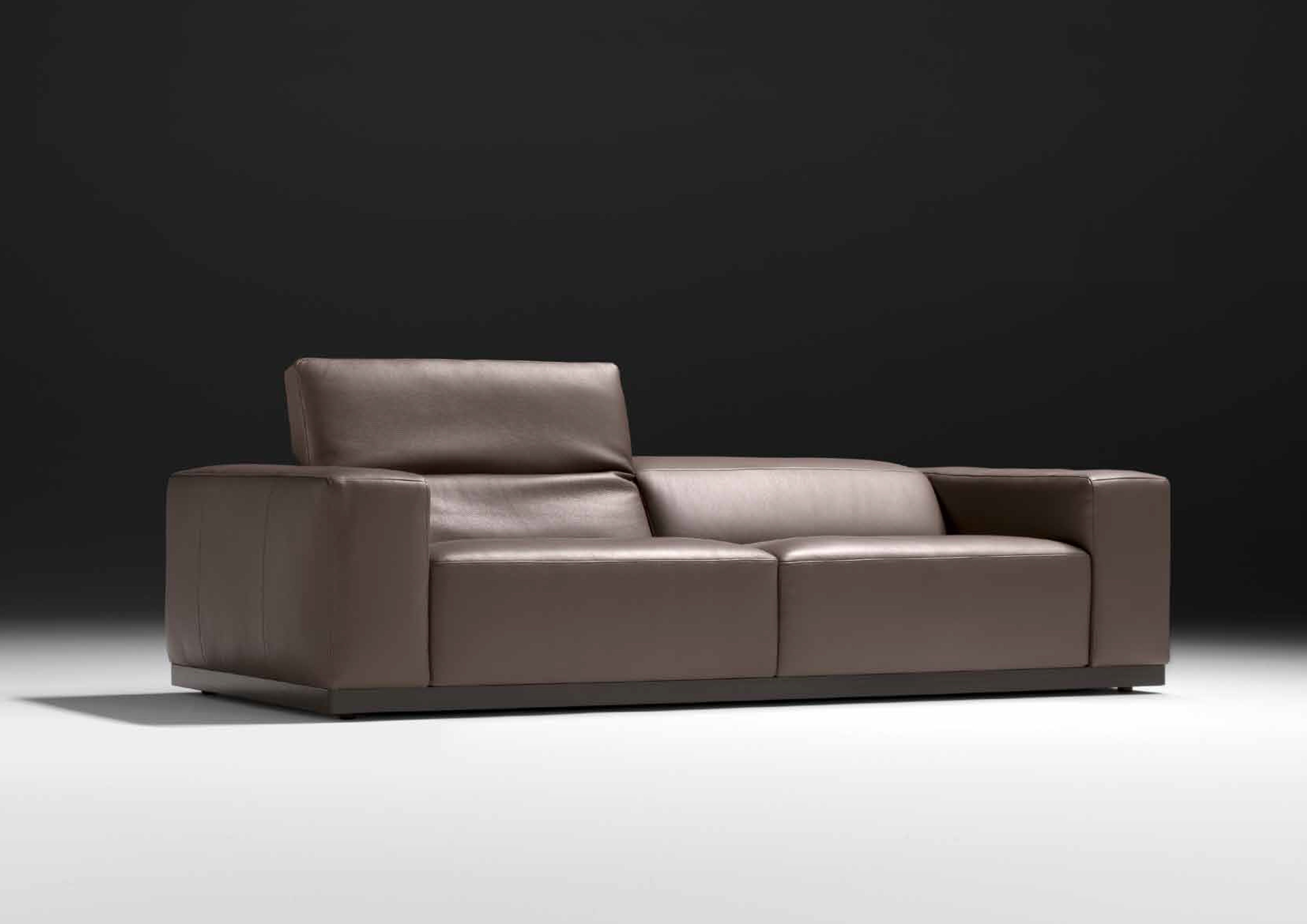 Fabio And Co Is Proud To Offer You 100 Genuine Italian Sofas Over 200 Exclusive Models To Choos Italian Furniture Modern Italian Leather Sofa Italian Sofa