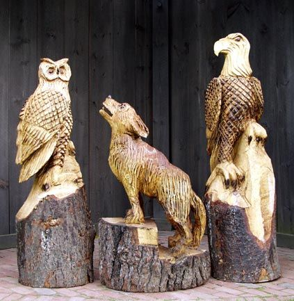 Tree wood carvings of dogs chainsaw carving class logsigns
