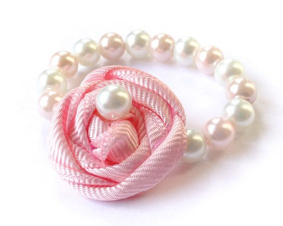 Newborn Rosette Bracelet Baby Glass Bead Pearl por MalishkaBoutique, $5.45