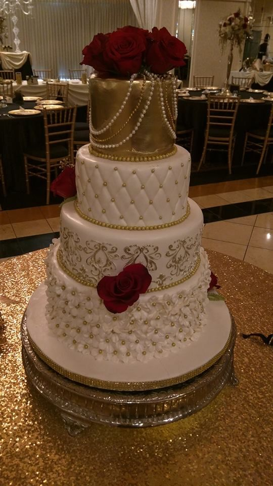 Carlisle Banquets Red And Gold Quince Cakes Gold Wedding Cake Quinceanera Cakes