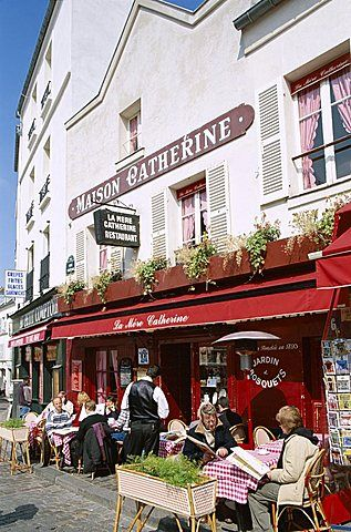 Outdoor Cafe And Brasserie Montmartre Paris France Europe In 2020 Paris Cafe Montmartre Outdoor Cafe