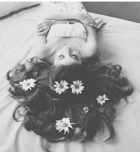 خلفيات موبايل اجمل خلفيات ابيض واسود Flowers In Hair Flower Hair Pin Photography