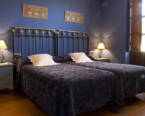 5 Best Bed And Breakfasts To Stay In Santa Marina de Somoza Castile - chambre des notaires bouches du rhone