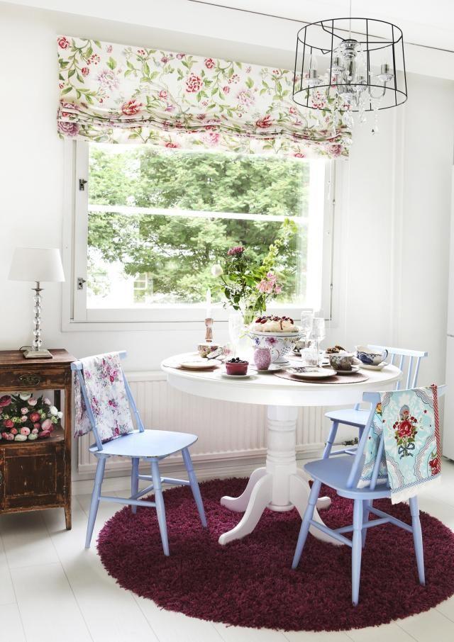 Lautaseinää kerrostalokodissa | Unelmien Talo&Koti