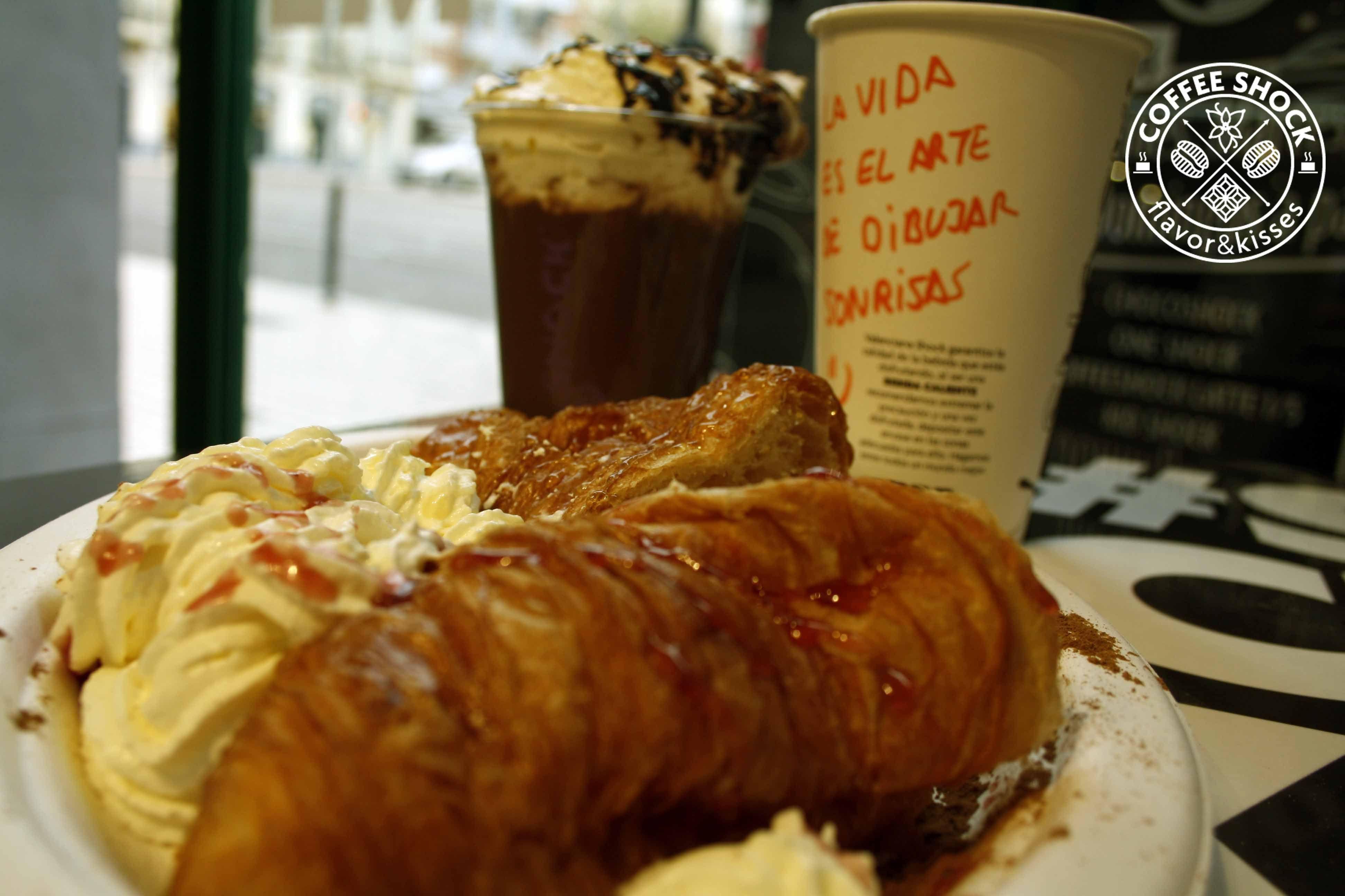 La vida es el arte de dibujar sonrisas www.estoyenshock.com www.valencianashock.com