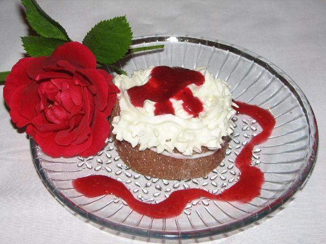 Hurmaa rakkaasi ystävänpäivänpäivänä helposti! Kääretorttuleivos, tämän reseptin on tehnyt Kotikokki.netin nimimerkki Påla