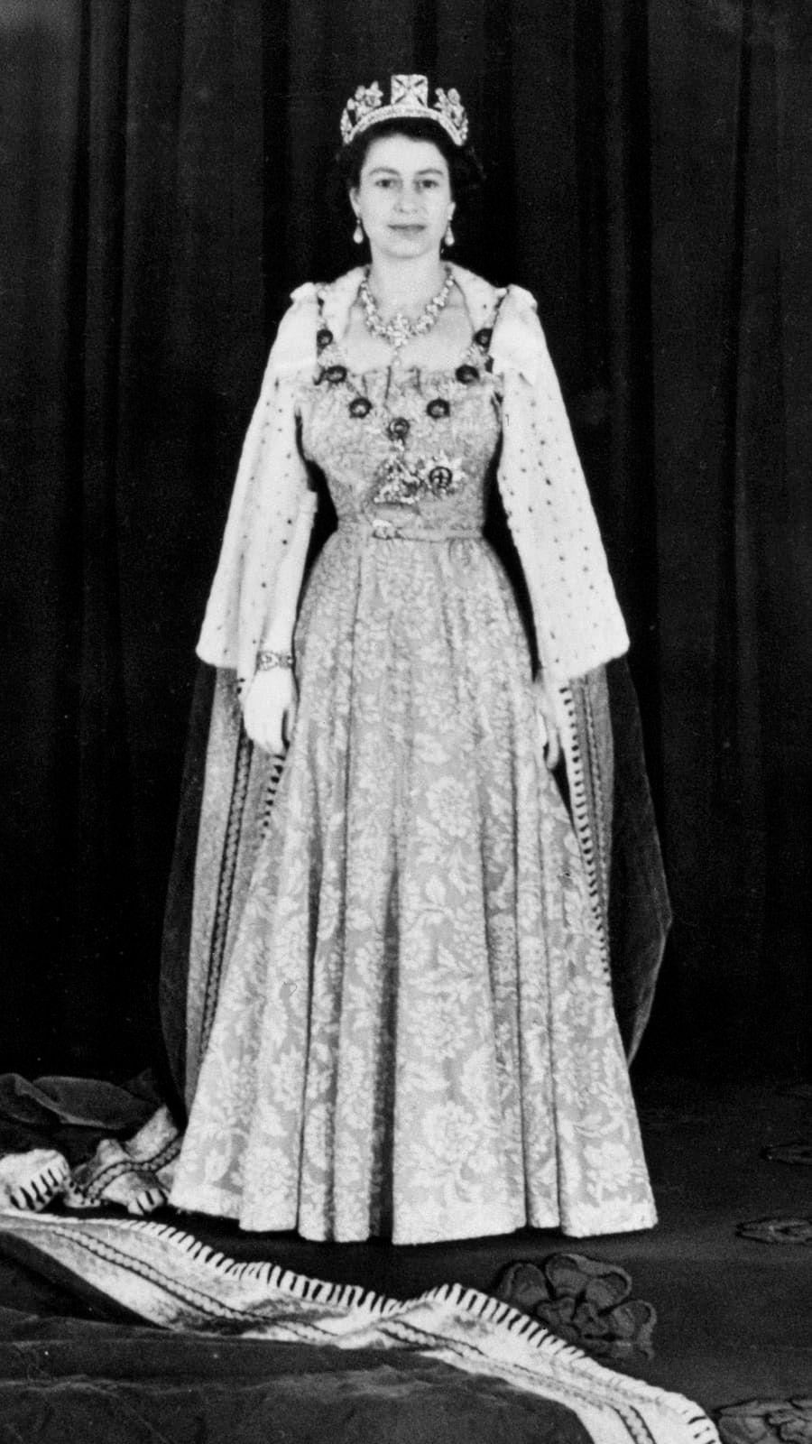 Queen Elizabeth in 2020 Queen elizabeth, Queen elizabeth
