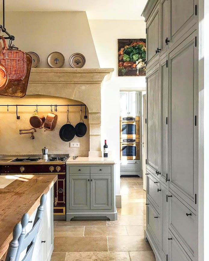 Loveliest French Farmhouse in Provence, France! - Hello Lovely #countrykitchens