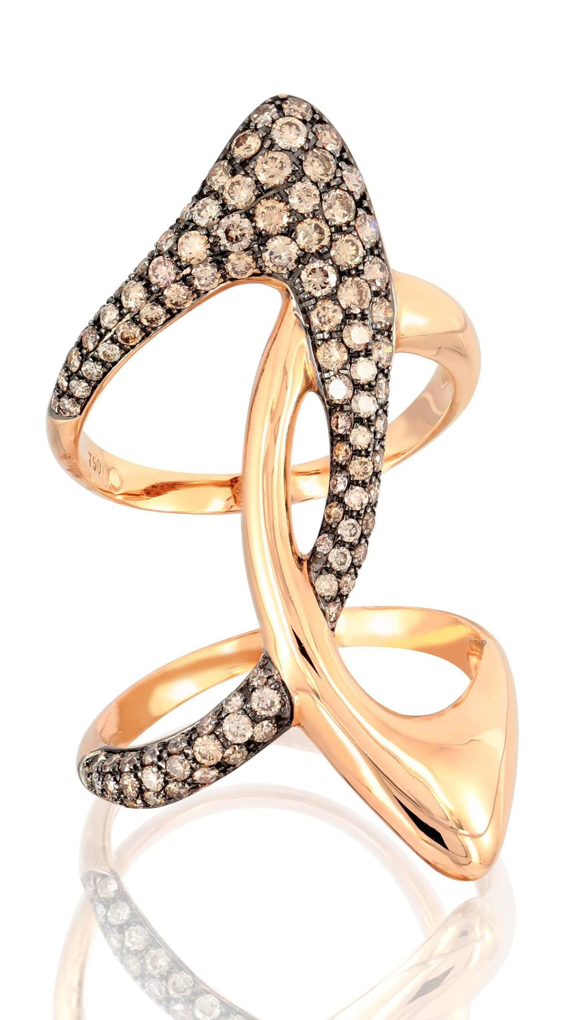 My Etho Collection is a combination of white, black and brown #diamonds in everyday pieces that fit even the most demanding lifestyle. #EthoMaria #hautecouture #hautejoaillerie #ring