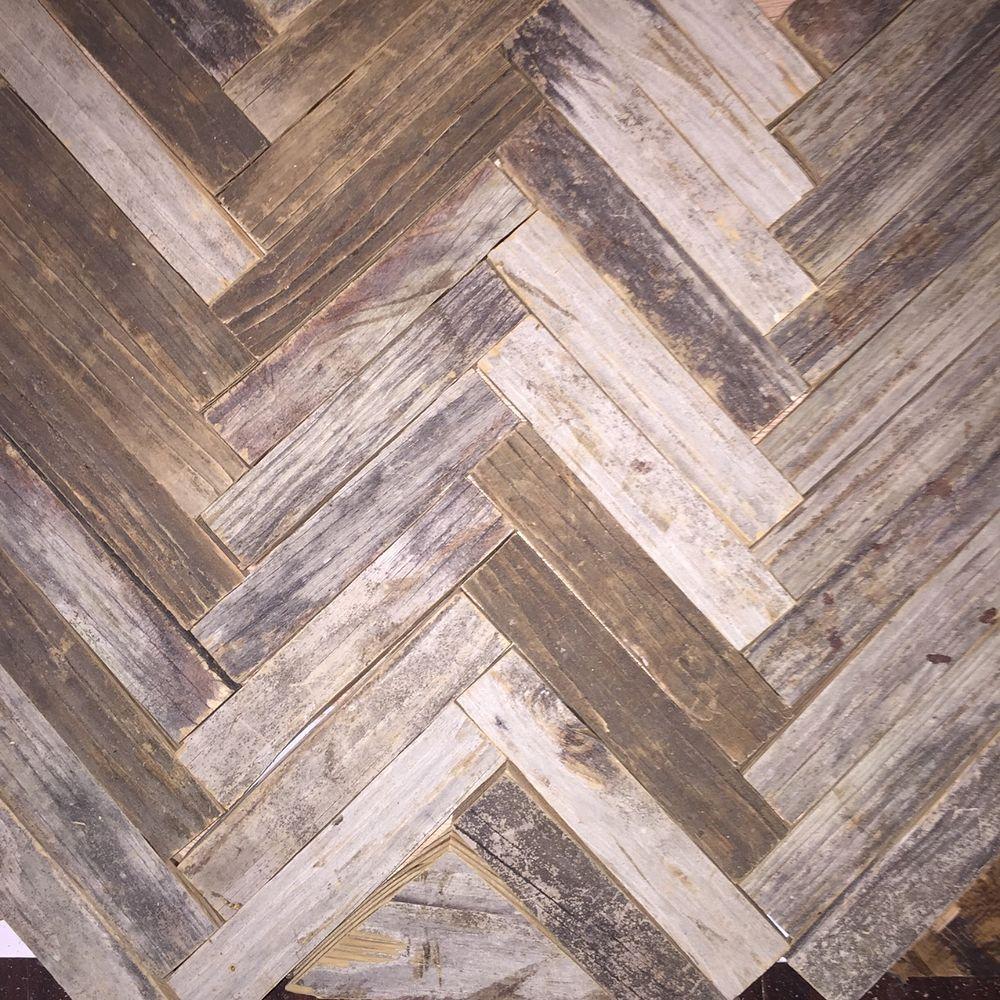 Reclaimed Wood Herringbone Backsplash For Bathroom Vanity With Images Herringbone Backsplash Herringbone Wood Primitive Bathrooms