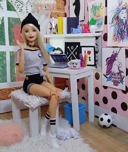 2,235 Gostos, 35 Comentários - Barbie  #Fitnessdoll (@barbie_colllector) no Instagram: Hey lovelies, hope you're all doing okay !! . I remembered that today I would go with my friend… #barbiefurniture